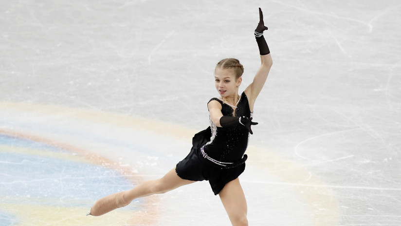 Una patinadora rusa de 15 años entra dos veces en el Libro Guinness