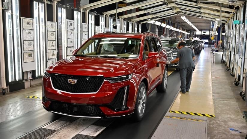 Casi 50.000 empleados de General Motors en EE.UU. se declaran en huelga a nivel nacional por primera vez en 12 años