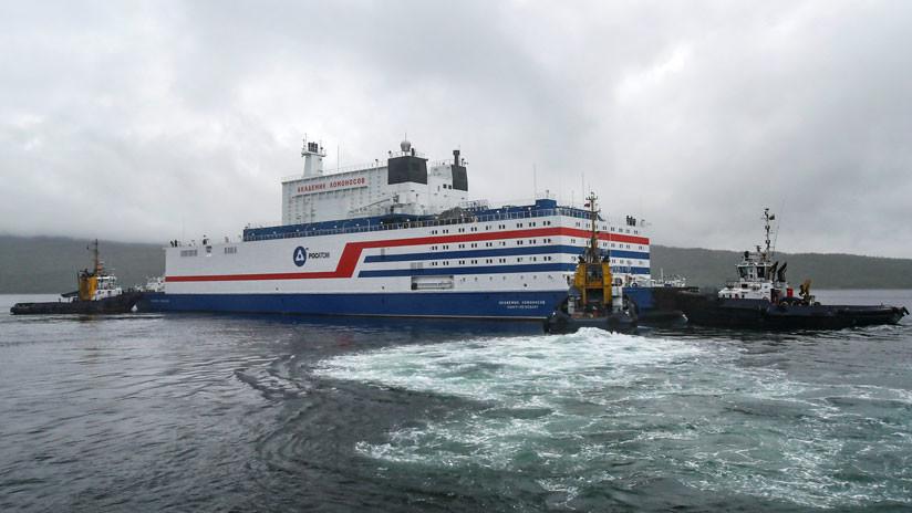 La única central nuclear flotante del mundo llega al Extremo Norte de Rusia