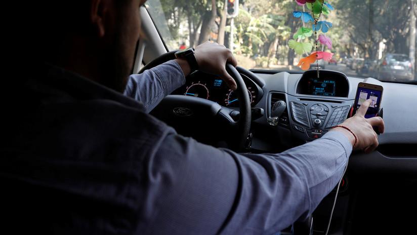 Un taxista de la India canta una canción para un pasajero y se vuelve famoso en las redes sociales (VIDEO)