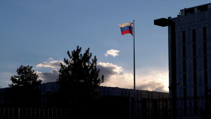 Embajada de Rusia en Washington pedirá aclaraciones a EE.UU. por las informaciones que acusan a sus empleados de espiar al FBI