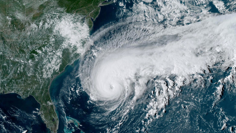 Humberto se fortalece a huracán de categoría 3