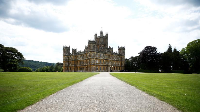 Airbnb ofrece alojarse en el castillo de 'Downton Abbey' (con mayordomo personal para los huéspedes incluido)