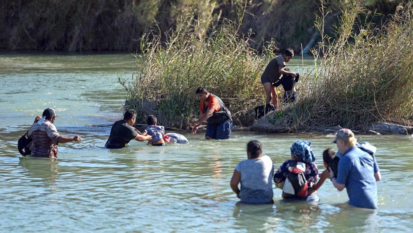Migrante hondureña muere ahogada junto con su hijo de 2 años al intentar cruzar el río entre México y EE.UU.