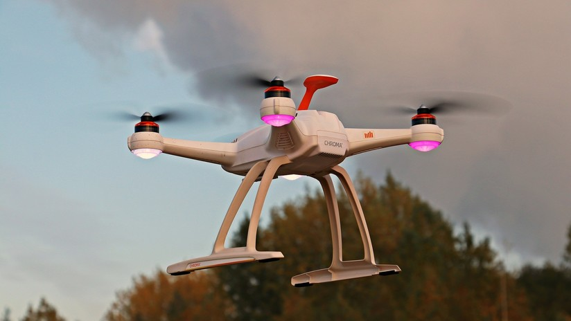 Un hombre es acusado de usar un dron para lanzar explosivos sobre la casa de su exnovia en EE.UU.