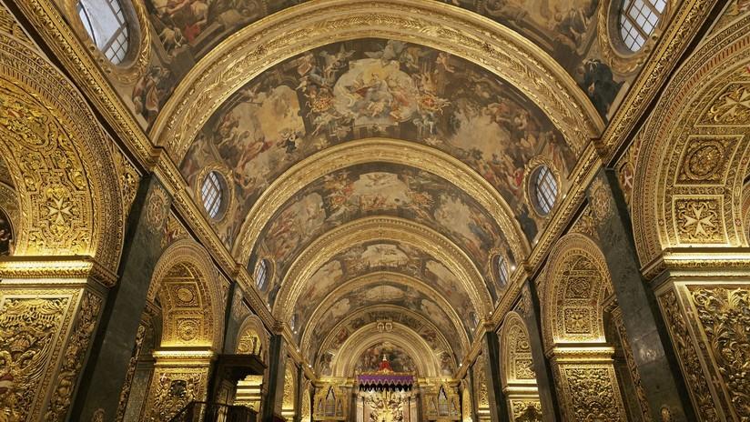Arrestan a un sacerdote por robar de su parroquia obras de arte por más de 100.000 dólares