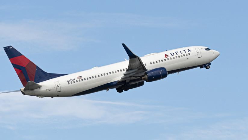Vuelo de Delta descendió 9.000 metros y tuvo que aterrizar de emergencia
