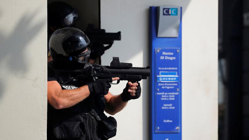 Francia: Una persona armada abre fuego desde la ventana de su casa en Lyon