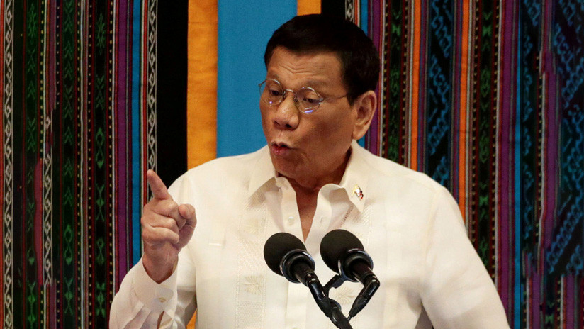 Duterte admite que ordenó matar a un político y su portavoz lo justifica diciendo que el presidente no habla bien filipino