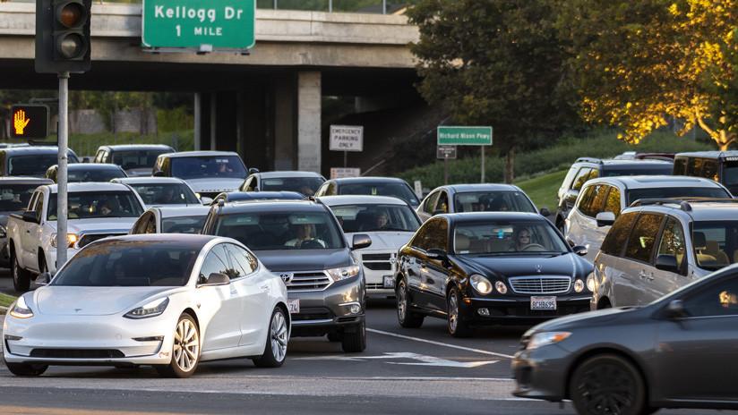EE.UU.: Más de 20 estados presentan una demanda para que Trump no pueda impedir a California dictar sus propias reglas sobre emisiones en autos