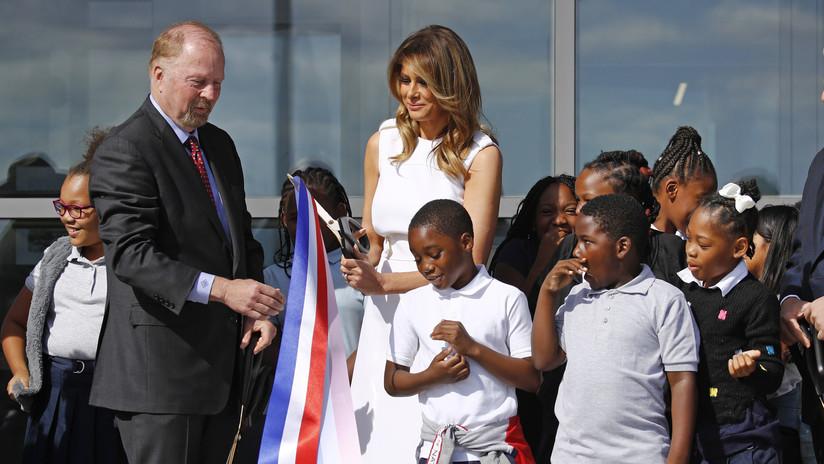 VIDEO: Melania Trump pierde la batalla ante las tijeras en la inauguración de un monumento