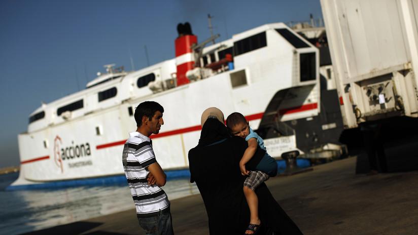 VIDEO: Tres migrantes marroquíes viajan colgados de la rampa de un ferry durante 7 horas para llegar a España