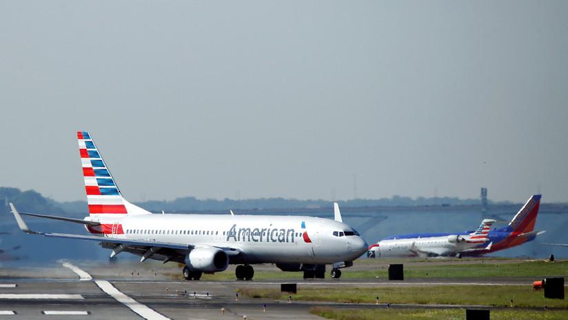 Un avión realiza un aterrizaje de emergencia en EE.UU. por el extraño comportamiento de un pasajero que acabó fumando marihuana a bordo
