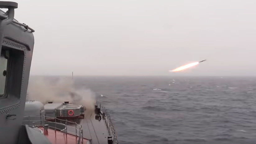 VIDEO: Misiles hipersónicos rusos Kinzhal repelen un 'ataque enemigo' en medio de una tormenta en el Ártico