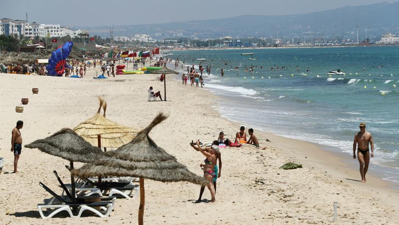"""Un hotel tunecino """"toma como rehenes"""" a unos turistas británicos exigiéndoles pagar por su estancia por segunda vez"""