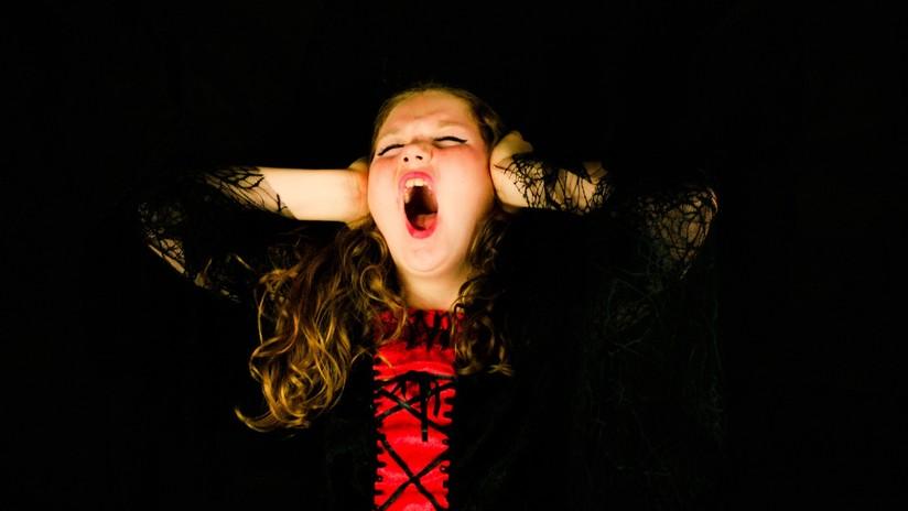 Esposan y arrestan a una niña de 6 años en EE.UU. por tener una rabieta en su escuela