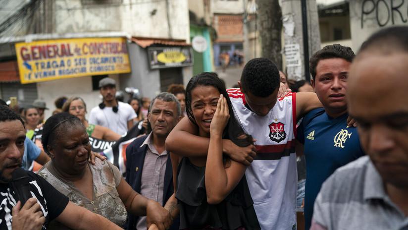 Estallan protestas en Brasil tras la muerte de una niña por un disparo de la Policía
