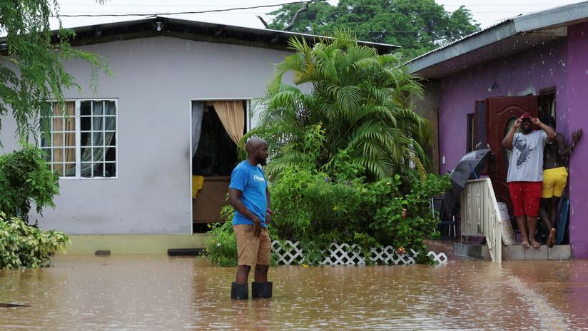La tormenta tropical Karen avanza hacia Puerto Rico y obliga a desviar varios vuelos en Venezuela