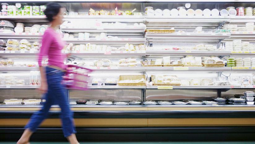 VIDEO: Una mujer se desviste en un supermercado en México para demostrar que no estaba robando