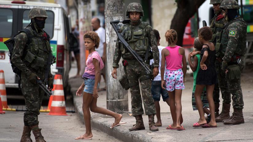 Una infancia entre balas perdidas en Río de Janeiro