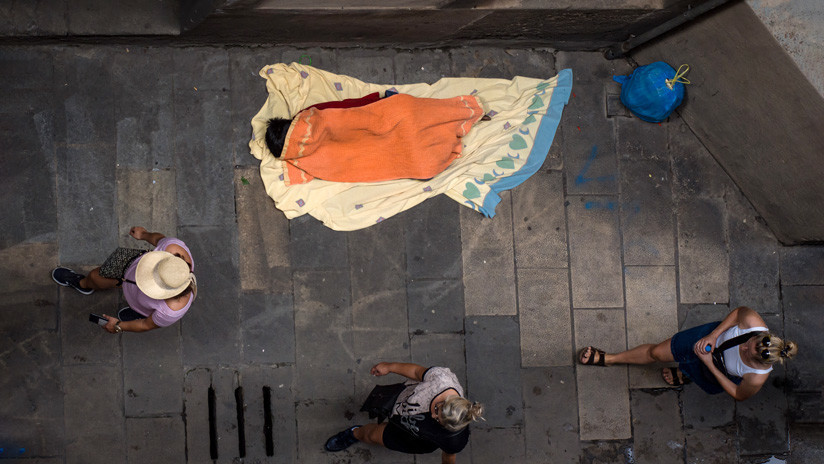 Especialistas recomiendan la renta básica universal para paliar las desigualdades en España