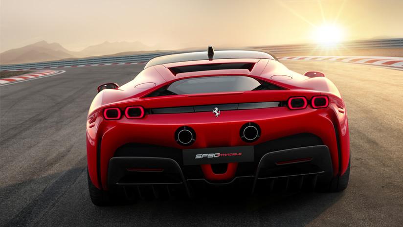 [VIDEO] Volcaron mientras filmaban una Ferrari Testarossa en Santa Fe