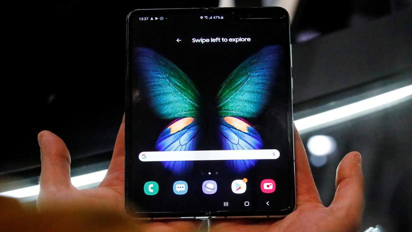 Samsung lanza su teléfono plegable de 2.000 dólares y resulta ser tan frágil que se vende con recomendaciones especiales para su uso