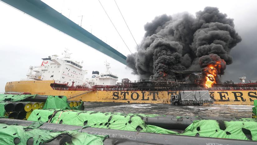 VIDEO, FOTOS: Un incendio en dos barcos de carga deja al menos 18 heridos en Corea del Sur