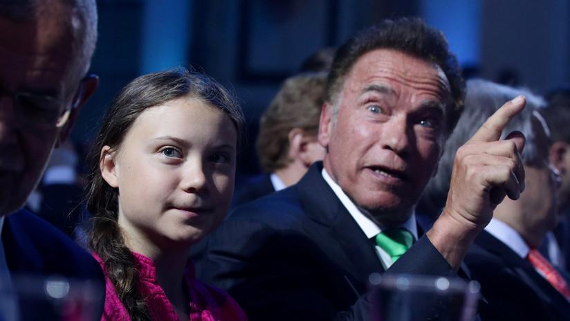 """""""Una de las ofertas más divertidas"""": Arnold Schwarzenegger propone a Greta Thunberg prestarle su Tesla Model 3 y la activista lo acepta"""