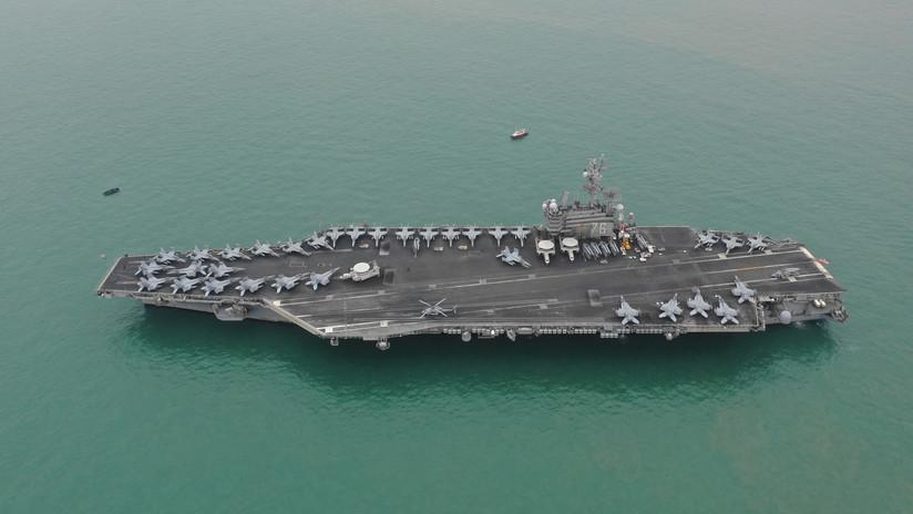 Publican una foto satelital del portaviones USS Ronald Reagan rodeado de buques de guerra chinos