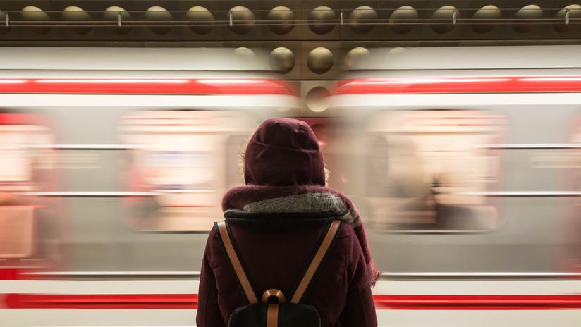 Una mujer sin hogar canta ópera con voz prodigiosa en el metro de Los Ángeles y se vuelve viral (VIDEO)