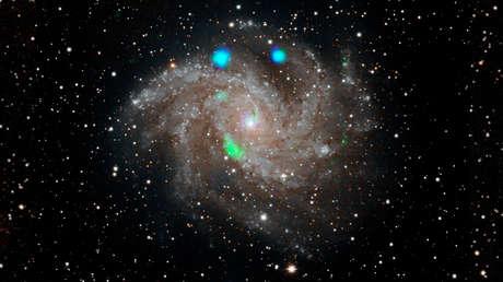 Luz visible de la galaxia Fireworks.