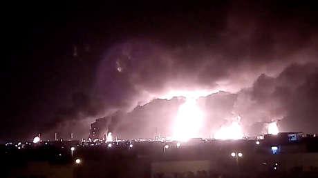 Incendio tras un ataque con drones contra la refinería de Aramco en Abqaiq, el 14 de septiembre de 2019.