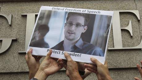 Manifestantes en apoyo a Edward Snowden en Hong Kong, en junio de 2013.