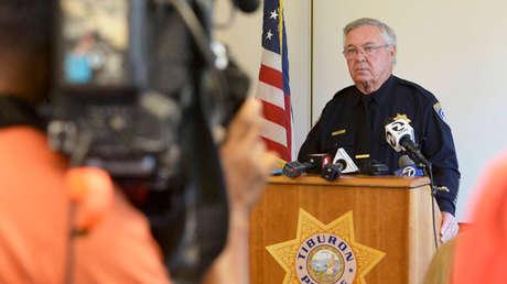 El jefe de policía de Tiburón, California, Mike Cronin, durante una conferencia de prensa sobre el caso de Javier Burrillo Azcárraga