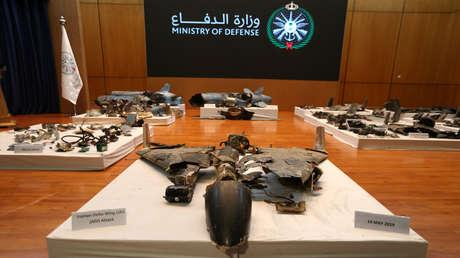 Restos de los misiles que, según el Gobierno saudita, fueron usados para atacar una instalación petrolera de Aramco.
