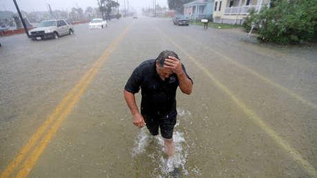 Inundaciones después del paso de la tormenta tropical Imelda en Galveston, Texas, el 18 de septiembre de 2019.