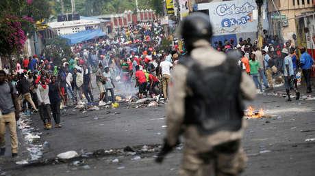 Manifestantes en las calles de Puerto Príncipe, Haití, el 27 de septiembre de 2019