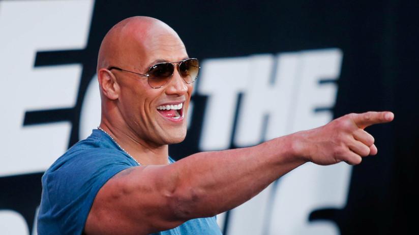 El luchador Dwayne 'la Roca' Johnson anuncia su regreso al WWE