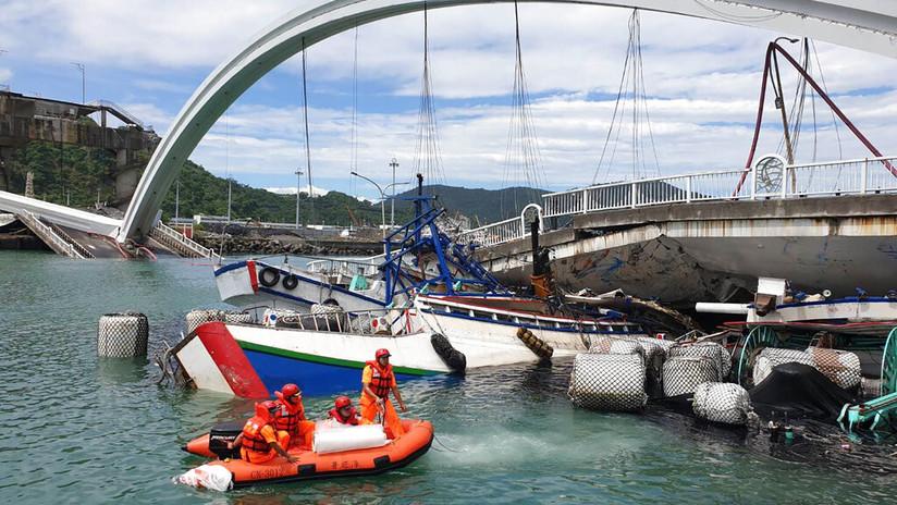 Colapsa un puente en Taiwán y deja al menos 10 heridos (VIDEOS, FOTOS)