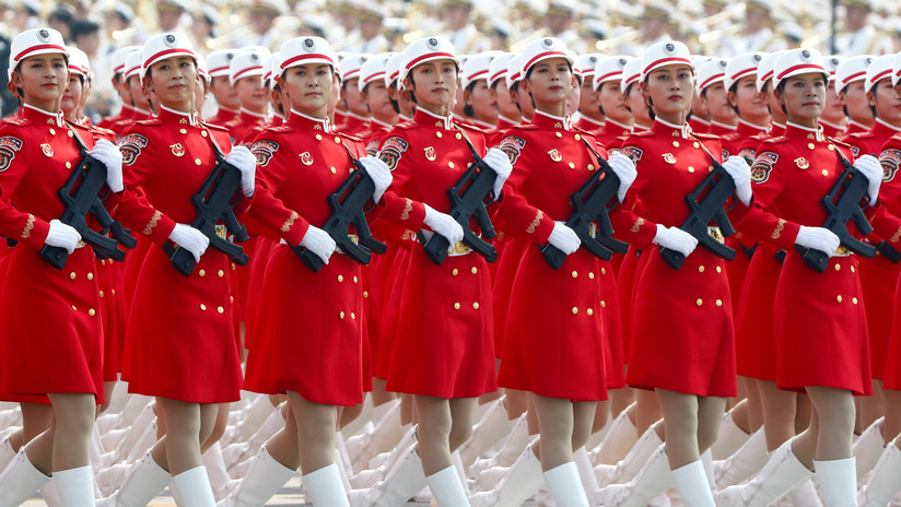 China luce sus avances militares en un grandioso desfile por el Día Nacional
