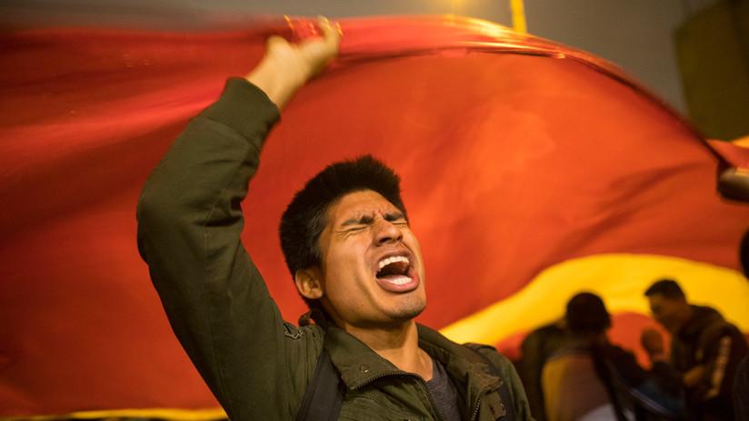 La ciudadanía sale a las calles ante la crisis política que vive Perú