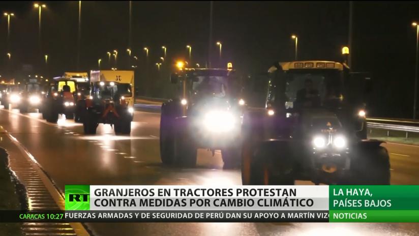 Países Bajos: Granjeros protestan en tractores contra medidas por el cambio climático