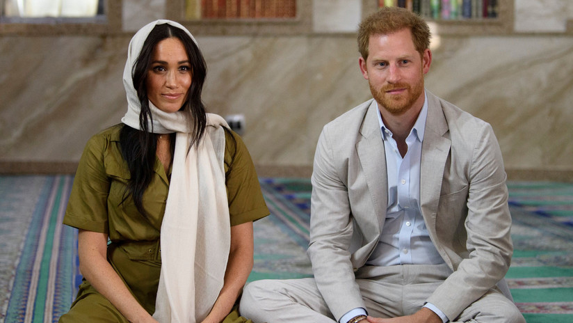 """""""Mi miedo es que la historia se repita"""": El príncipe Enrique alerta que Meghan Markle es víctima de las mismas """"fuerzas poderosas"""" que su madre"""