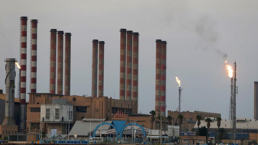 """Lavrov: A EE.UU. le convienen las turbulencias en Oriente Medio para ver """"adónde fluirá el petróleo"""""""