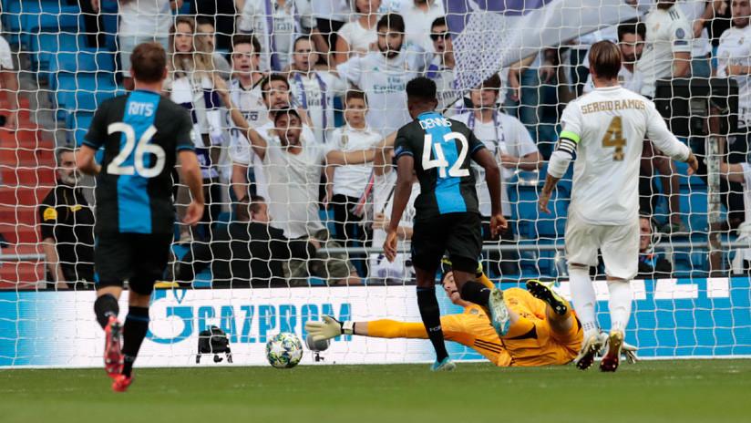 El VAR concede un polémico gol contra el Real Madrid que había sido anulado por fuera de juego