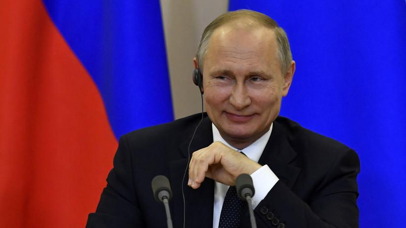 """Putin bromea al ser preguntado sobre la injerencia rusa en las próximas presidenciales en EE.UU.: """"Sí lo haremos, le digo en secreto"""""""