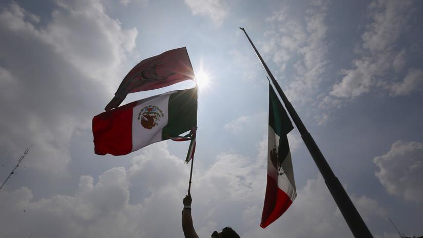 VIDEO: Marchan en México para recordar la masacre de estudiantes de 1968 en Tlatelolco