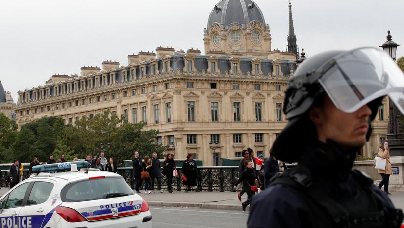 Al menos cinco muertos tras ataque con cuchillo a una comisaría en Francia