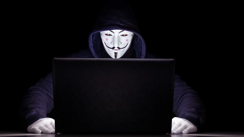 El FBI lanza anuncios (con errores) en Facebook para reclutar a espías rusos